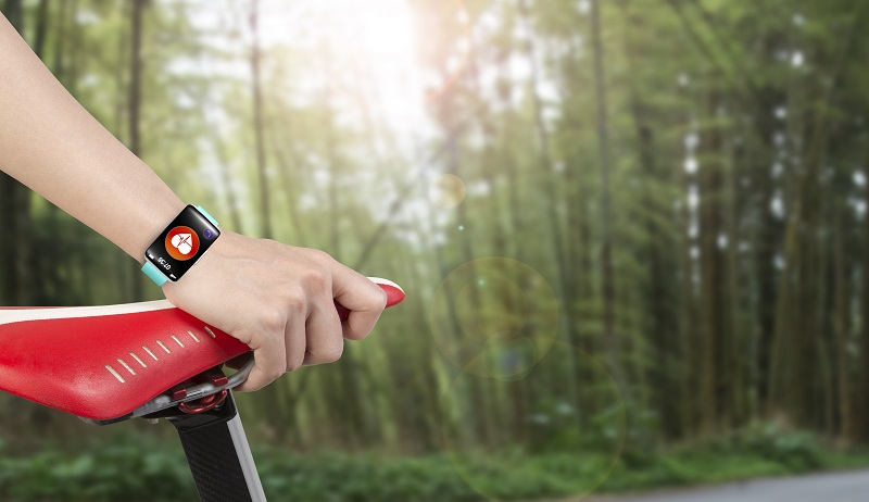 Smart watch wearable technology is the new fitness trend